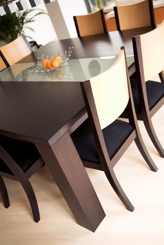 Dining table | Furnishings not included