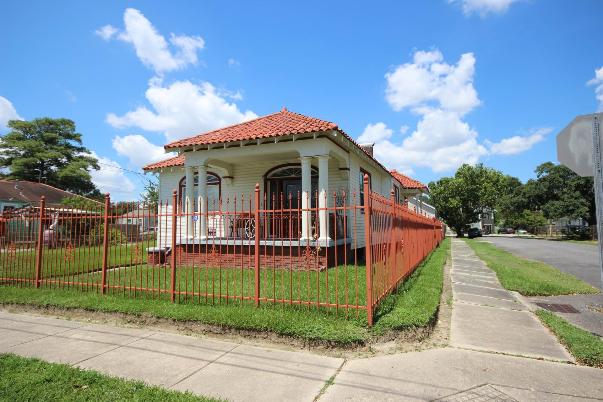 corner cottage in st claude new orleans