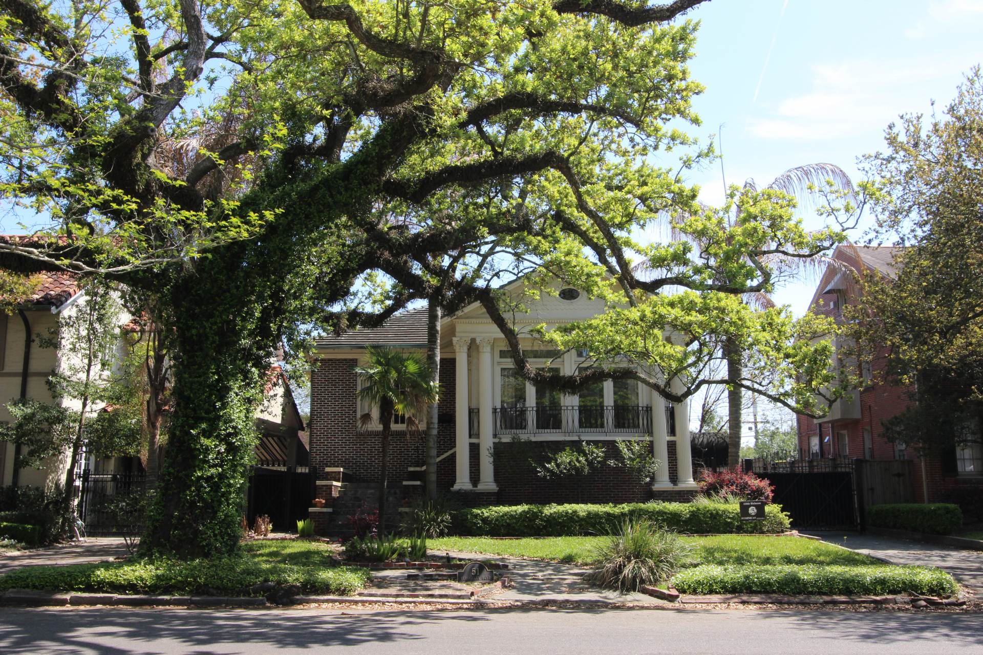 marlyville and fontainebleau neighborhood new orleans raised home